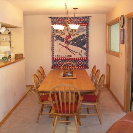 Lulu City: Dining Room