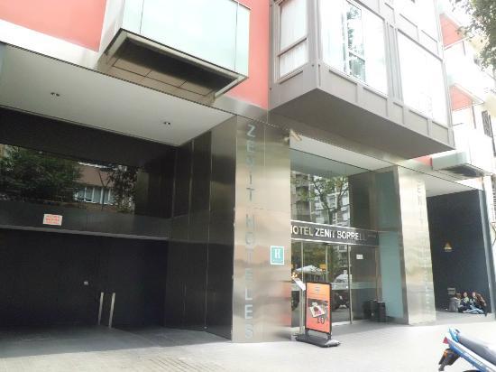 Hotel Zenit Borrell: Fachada hotel 