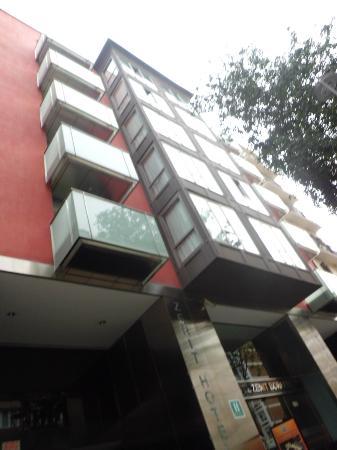 โฮเต็ล เซนิท บอร์เรลล์: Fachada hotel