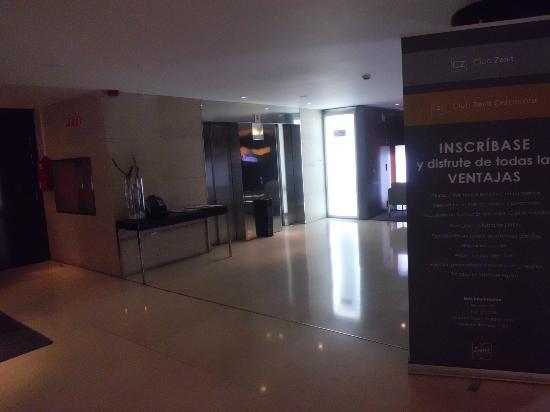 Hotel Zenit Borrell: Recepción