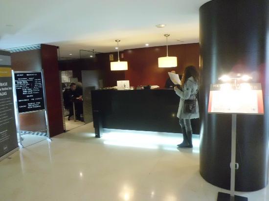 Hotel Zenit Borrell: Recepción.2