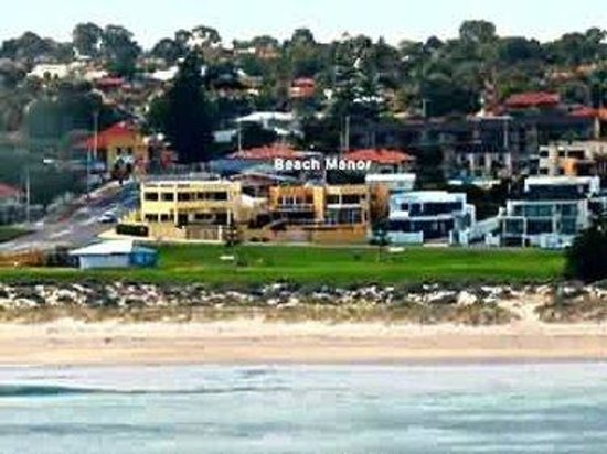 Beach Manor Bed and Breakfast Perth: Beach Manor on Perth's best beach