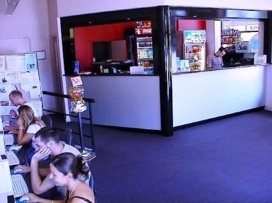 Globe Backpackers & City Oasis Resort: Reception