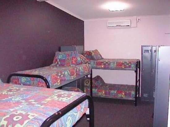 Globe Backpackers & City Oasis Resort 사진