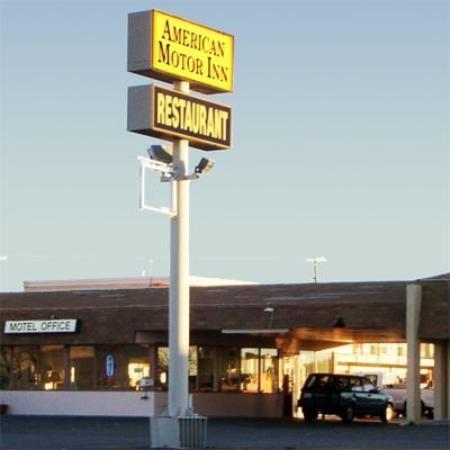 American Motor Inn: Exterior
