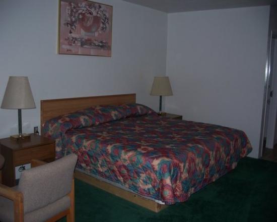 American Motor Inn: BED