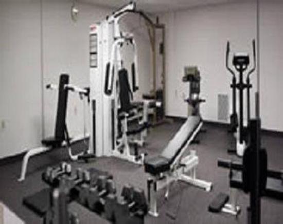 Quaker Inn Conference Center: Gym