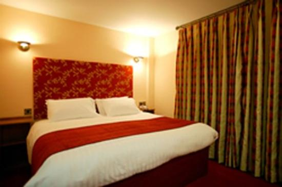 The Valley Hotel: Guest Room