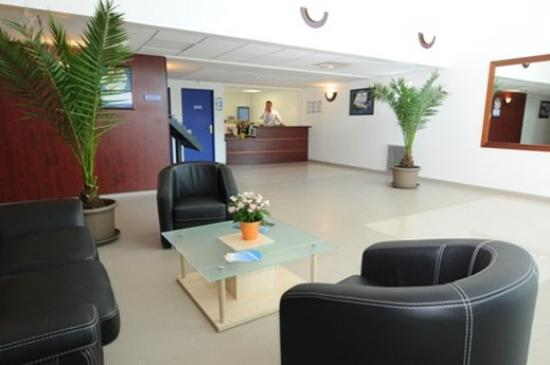 Apparthotel Olympe a Antibes : Interior Lobby ,Reception