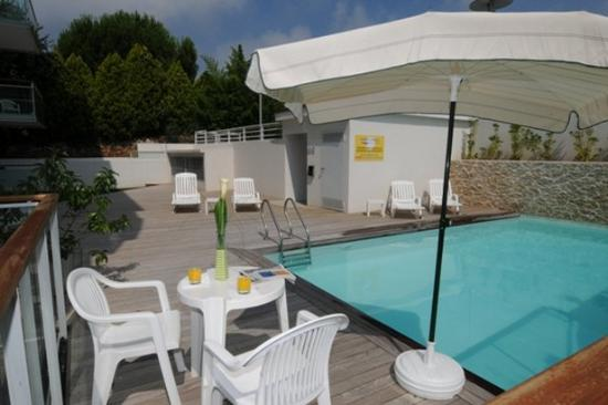 Apparthotel Olympe a Antibes : Pool View