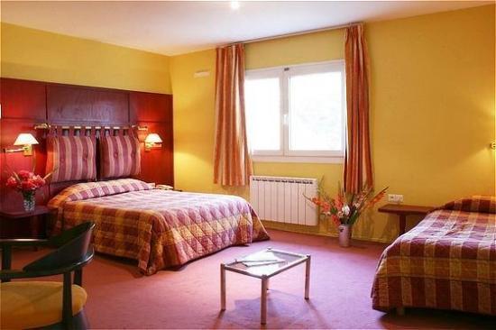 Hotel Les Colonnes Strasbourg Zenith : Guest Room