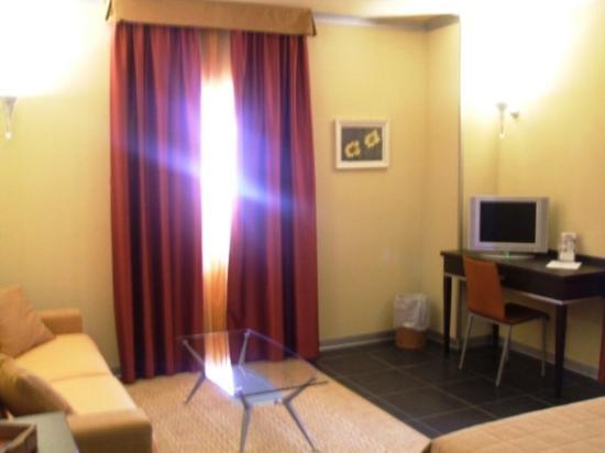 Hotel Mediterraneo: Guest Room