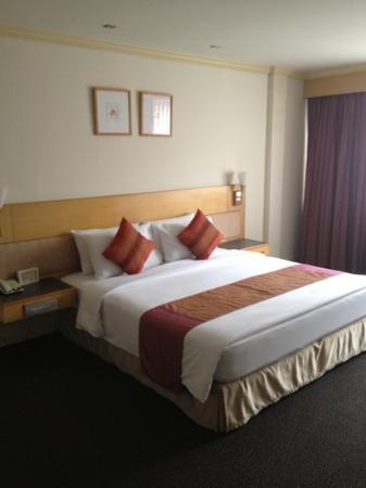 Bossotel Bangkok: delux room