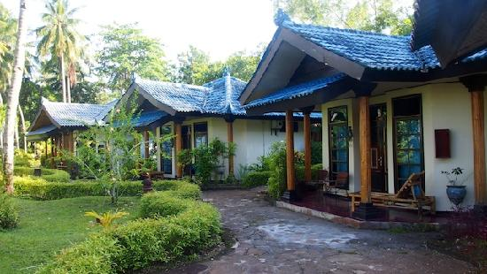Tasik Ria Resort Manado: The Bungalows