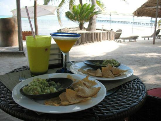 Matachica Resort & Spa: This guac is to die for.