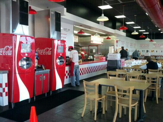 Five Guys : Front Counter