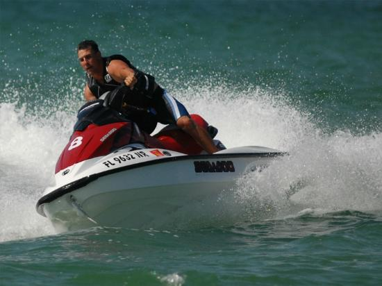 Fly-N-High Waverunners and Parasail: Waverunner fun at Fly-N-High!