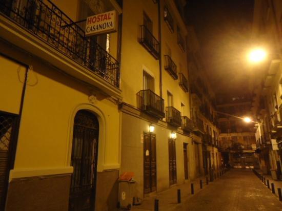Hostal Residencia Casanova: vista exterior, calle Lope de Vega