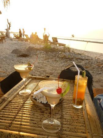 Adeng Adeng Beach Bar