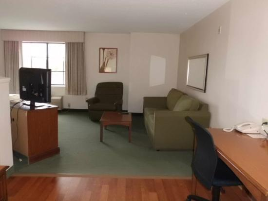 Extended Stay America - Philadelphia - Mt. Laurel - Pacilli Place: Living room area