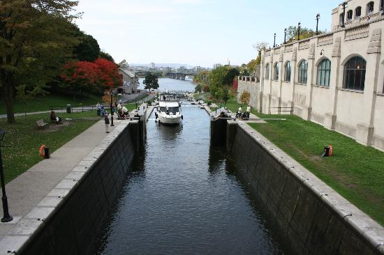 Rideau Canal: Opening a lock gate!