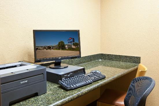 AmericInn Lodge and Suites Cedar Falls: Business Center