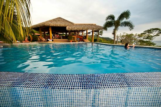 Vista de Olas Restaurant: Restaurant & Swim up Bar