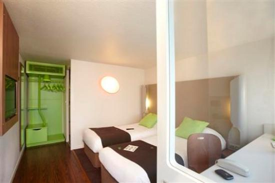Campanile Gueret : Twin Room
