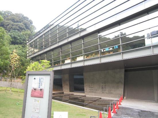 Saka no Ue no Kumo Museum: 外観です