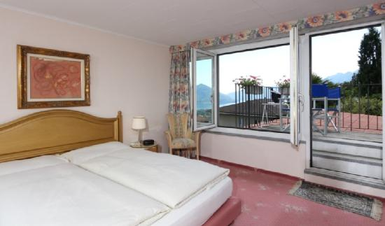 Hotel Mirafiori: Superior double room with lake view