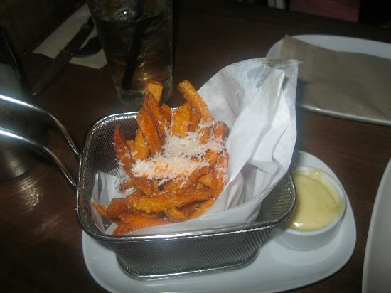 JOEY Don Mills: sweet potato fries