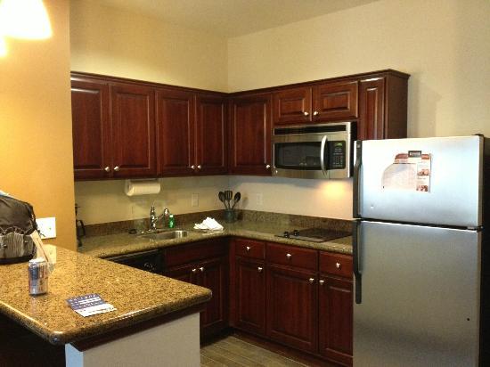 Staybridge Suites Houston / NASA - Clear Lake: Kitchen with everything you need