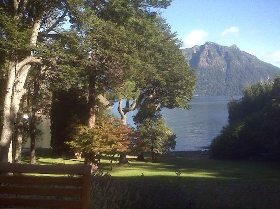 Millaqueo Luxury Villa: Atardecer en el parque de arrayanes