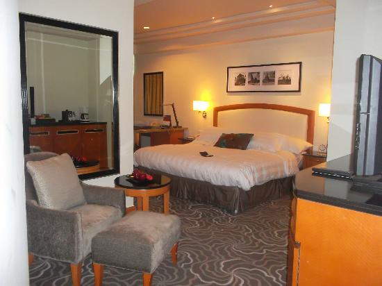 Pan Pacific Manila: View of room