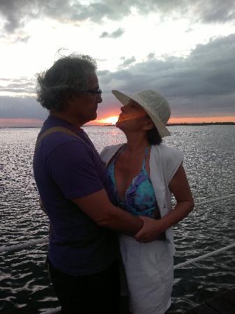 Sunset Marina Resort & Yacht Club: atardeser en la marina del lagoon