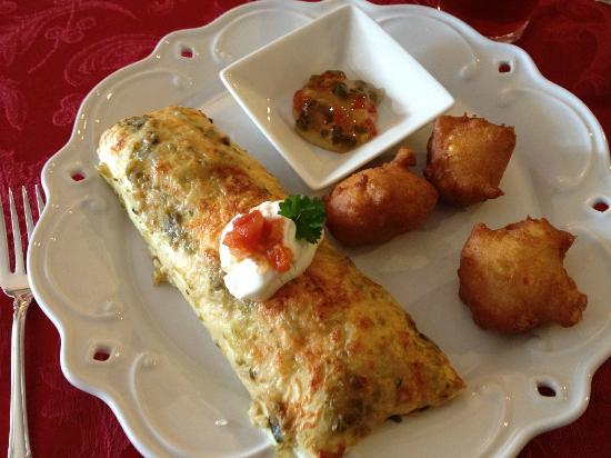 The Speckled Hen Inn: Ham and cheese 'burrito' and fresh corn fritters
