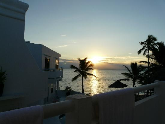 Mata Rocks Resort: Nice Sunrise, view from our room #3