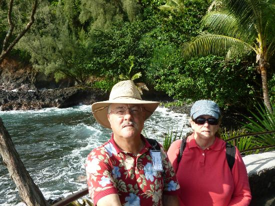 Hawaii Tropical Botanical Garden: Ocean overlook at small bay, Hilo side of the gardens!