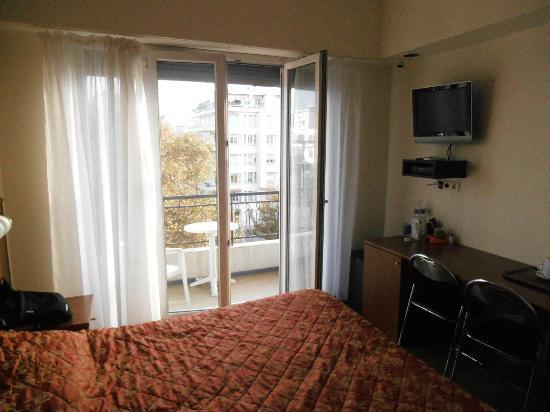Hotel Magnan: room 44