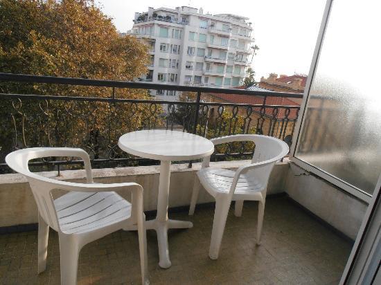 Hotel Magnan: Balcony