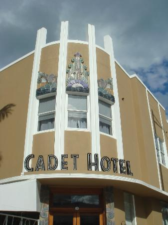Cadet Hotel: Front of hotel