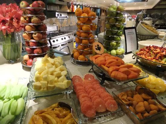 Southern Sun Elangeni & Maharani: Breakfast buffet