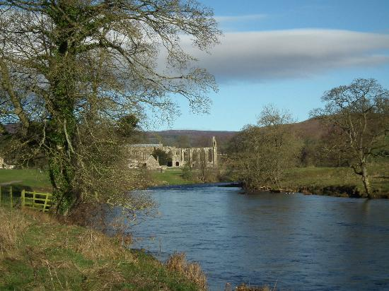 The Devonshire Arms Hotel & Spa: Nearby Bolton Abbey
