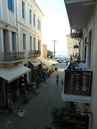 Elia Palazzo Hotel: View from Balcony in the other direction