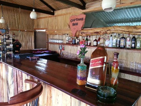 Mara Eden Safari Camp: Well stocked bar