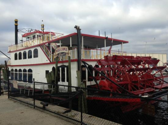 St Johns Rivership Company: Barbara Lee - true paddle wheel boat out of Sanford