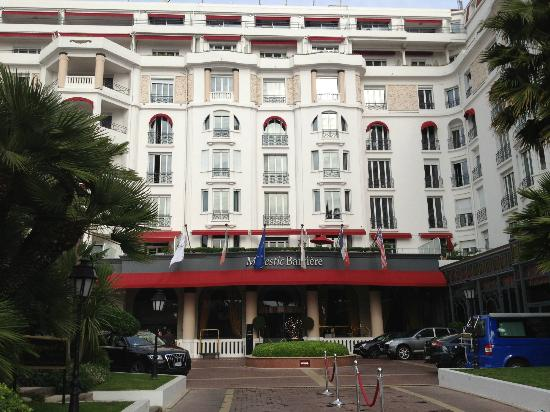 Hôtel Barrière Le Majestic Cannes: La facade
