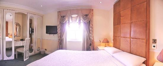 Clarence Hotel: Hotel Bedroom