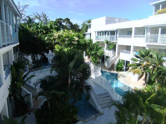 Savannah Beach Hotel: hotel grounds