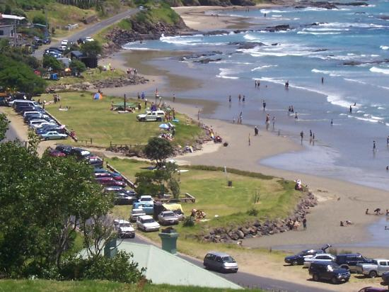 Ahipara Bay Motel: Summer fun at the beach